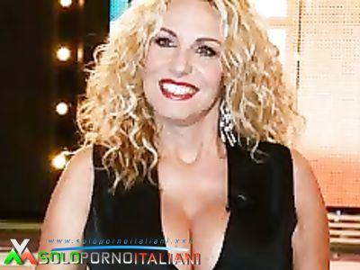 TETTONE DELLA TV ITALIANA!