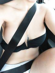 In macchina con la cintura