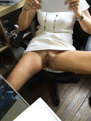 Upskirt in ufficio