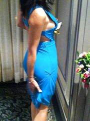 Sexy spogliarello con vestitino azzurro