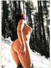 Scatti sexy sulla neve