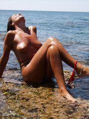 Graziella moglie esibizionista al mare