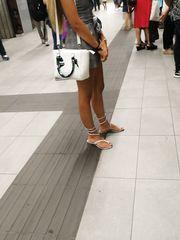 Metropolitana milano bella bionda