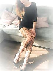 Calze a rete con vestitino nero