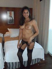Fichetta italiana mora in lingerie