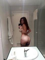 Miri porcellina selfie in bagno