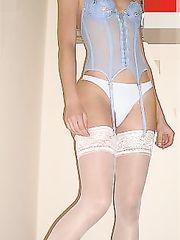 Divina e sexy moglie italiana in lingerie
