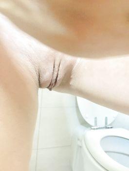Sara sotto la doccia