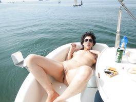 Giornata al mare moglie italiana porca