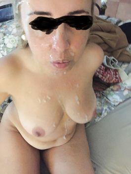 La mia mogliettina piena di sperma