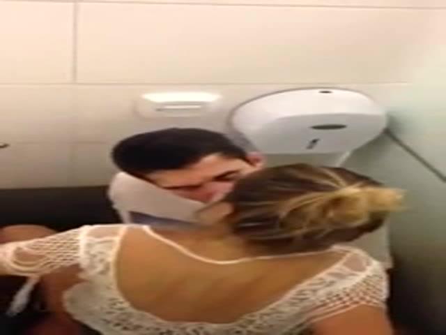 Sesso nel bagno della disco solopornoitaliani