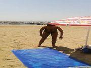 Mia moglie in spiaggia a Follonica
