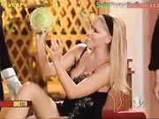 Upskirt Loredana Lecciso in tv senza mutandine