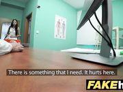 La teen italiana Rebecca Volpetti scopa il ginecologo