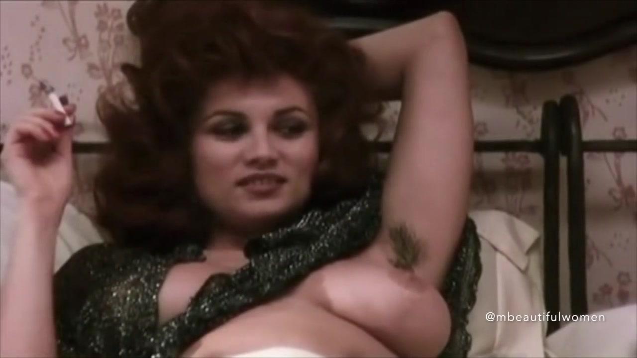 naked dark arab woman