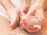 Footjob col preservativo al mio schiavetto
