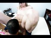 Sesso in ufficio con Milf matura puttana
