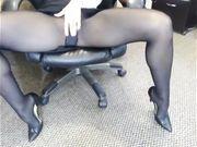 La Milf in ufficio eccitata che non ti aspetti