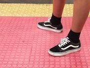 Gambe teen in metro