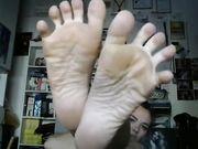 I miei piedi sporchi per la tua lingua