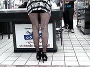 Moglie fa la troia al supermercato