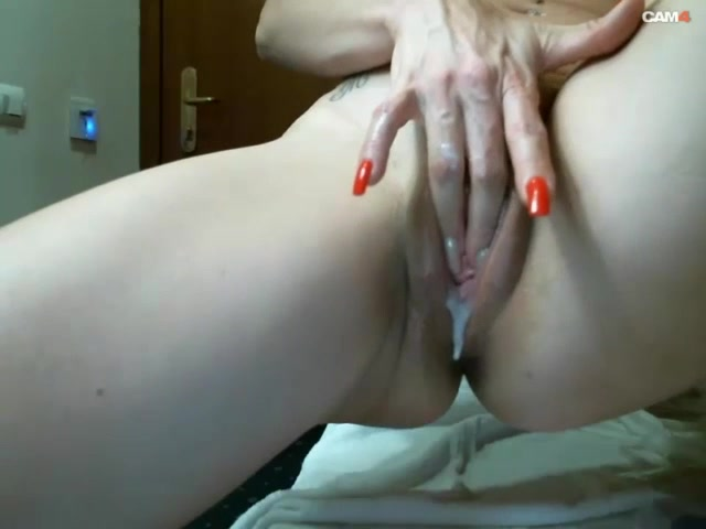 Curvy Milf Riding Dildo