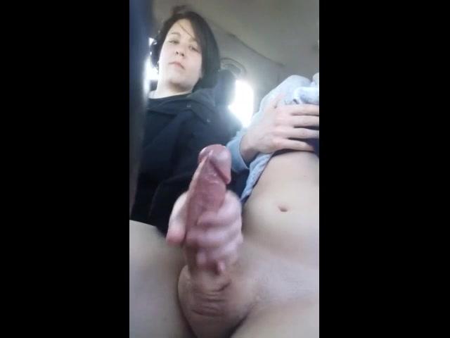 Se Desnuda Y Se Masturba