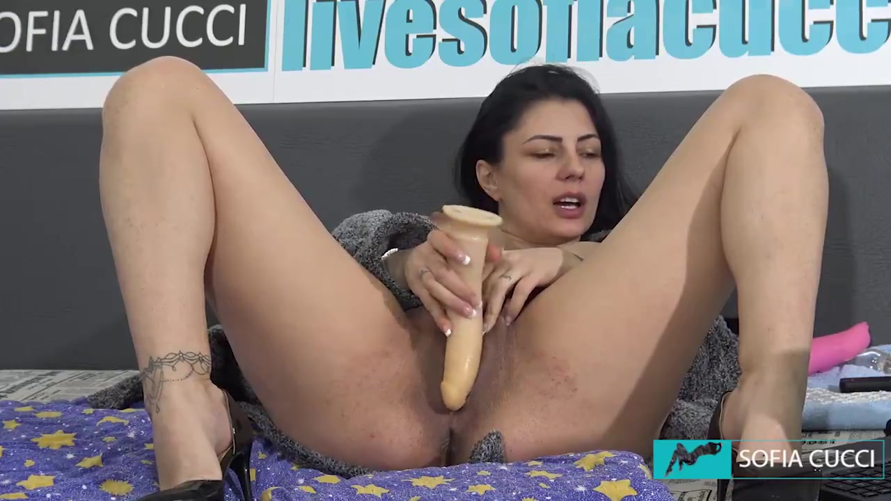 Latina Solo Public Squirt
