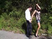 Valeria Borghese fa un pompino ad Andrea Dipre in un parco