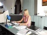 VIDEO PORNO ITALIANO - Franco Trentalance scopa amica della figlia