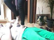 Trampling con lo schiavo tappetino