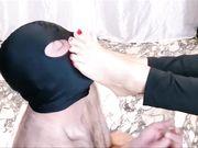 Mistress umilia slave ballbusting e schiaffi in faccia