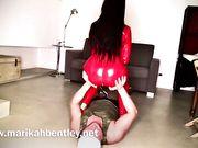 Marikah Bentley tiene in forma i propri slave