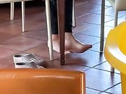 Spio i piedi di mia mamma in smart working