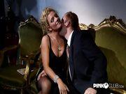 La splendida Alessia Donati chiavata in lingerie nera