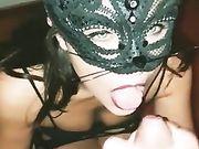 FATTI SCHIZZARE - Pompino fidanzata mascherata