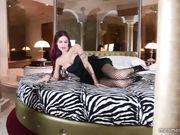 La Diva Del Tubo sexy in calze a rete